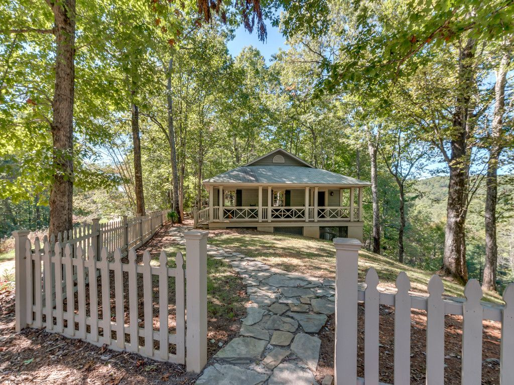 172 Moonshine Trace in Saluda, North Carolina 28773 - MLS# 3328005
