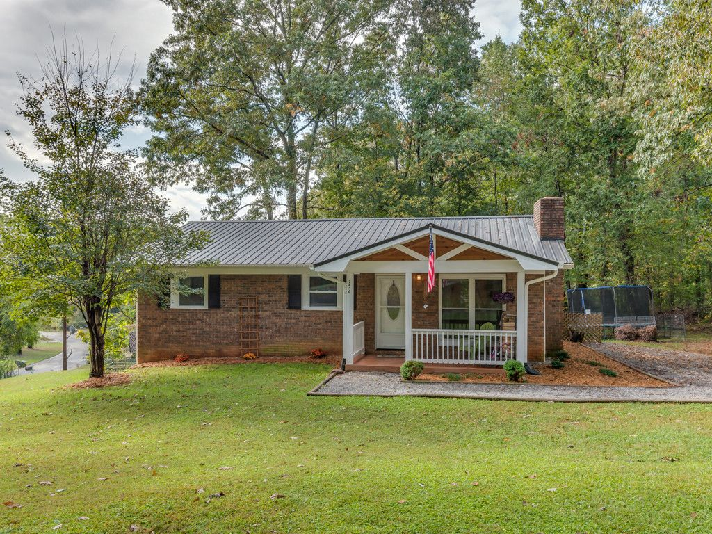 152 Willowbrook Road in Hendersonville, North Carolina 28792 - MLS# 3329035