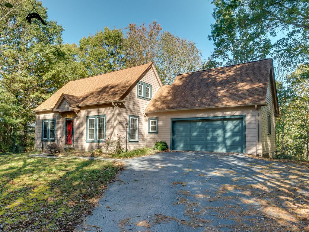225 Trappers Trail in Hendersonville, North Carolina 28739 - MLS# 3331390