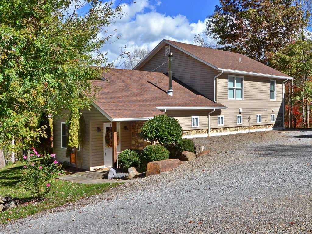 31 Skipping Stone Way in Waynesville, North Carolina 28786 - MLS# 3331508