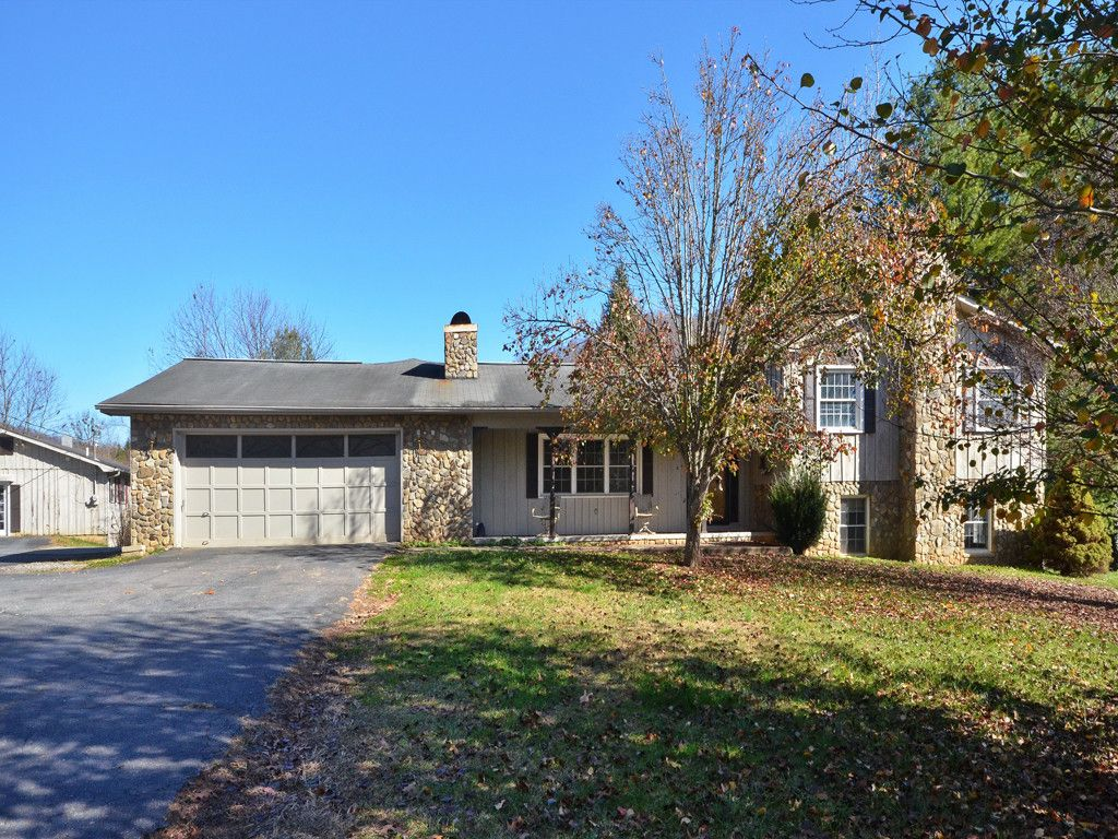 54 Goldey Lane in Clyde, North Carolina 28721 - MLS# 3337836