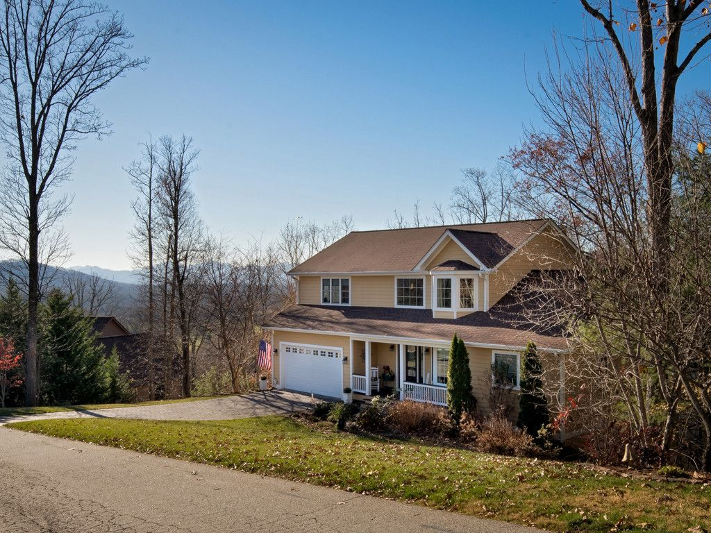 60 Courseview Drive in Weaverville, North Carolina 28787 - MLS# 3342068