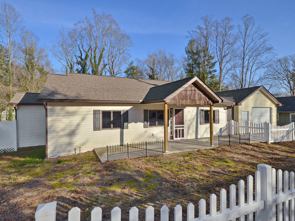 526 Midway Street in Hendersonville, North Carolina 28739 - MLS# 3342508
