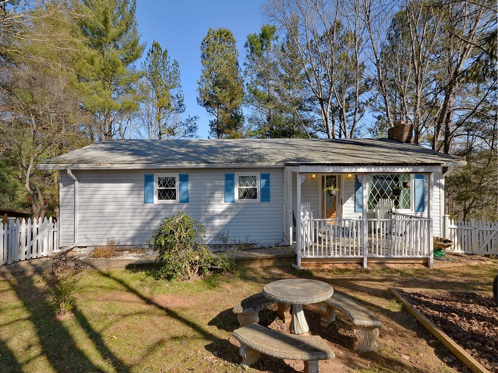 290 Candlelight Circle in Clyde, North Carolina 28721 - MLS# 3345900