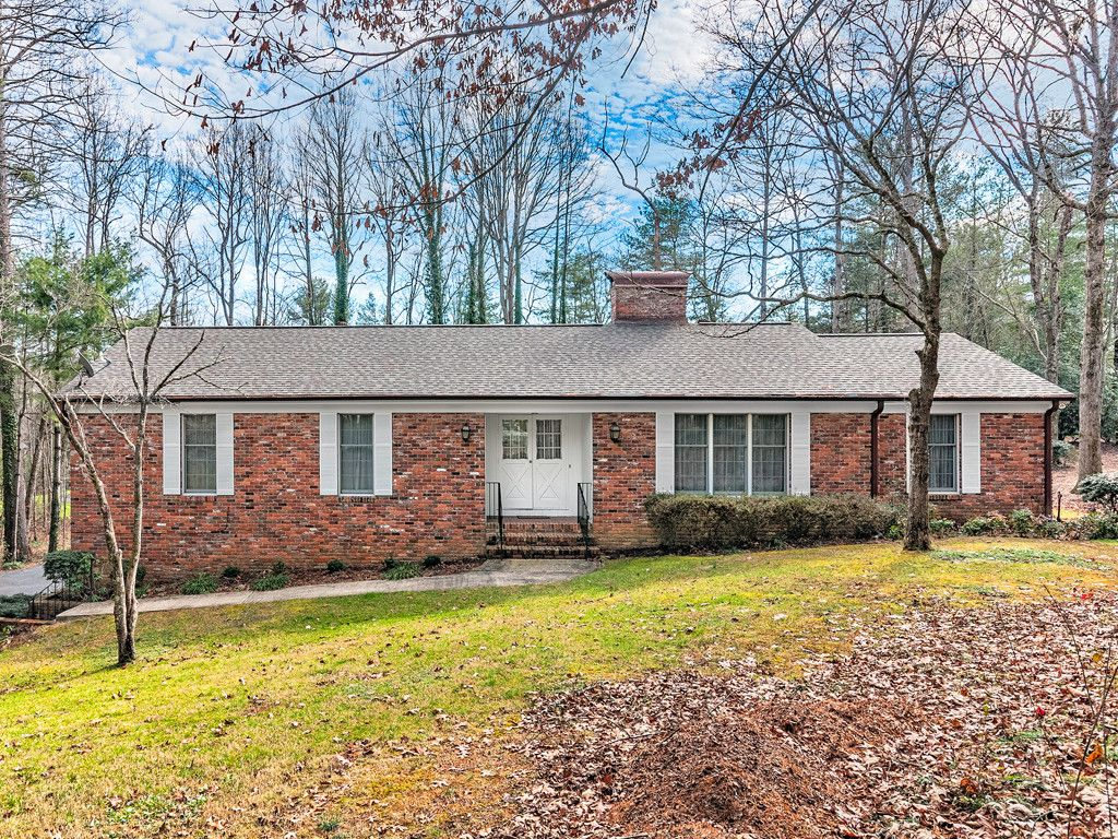 114 Brandon Road in Hendersonville, North Carolina 28739 - MLS# 3347639