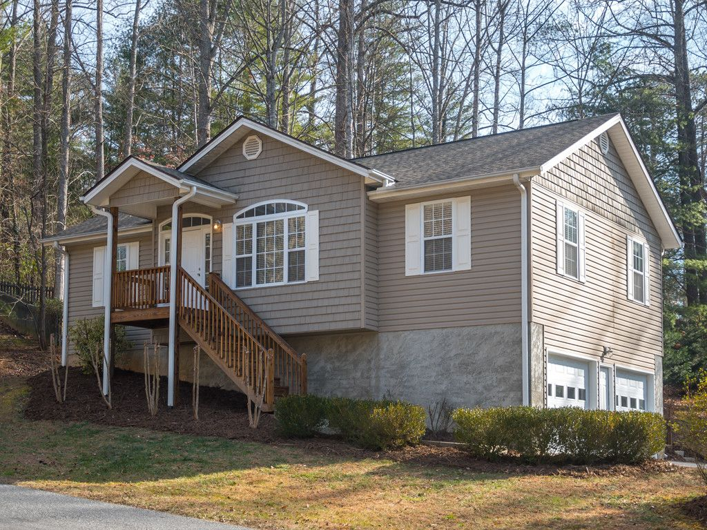 103 Brooktree Circle in Hendersonville, North Carolina 28739 - MLS# 3348194