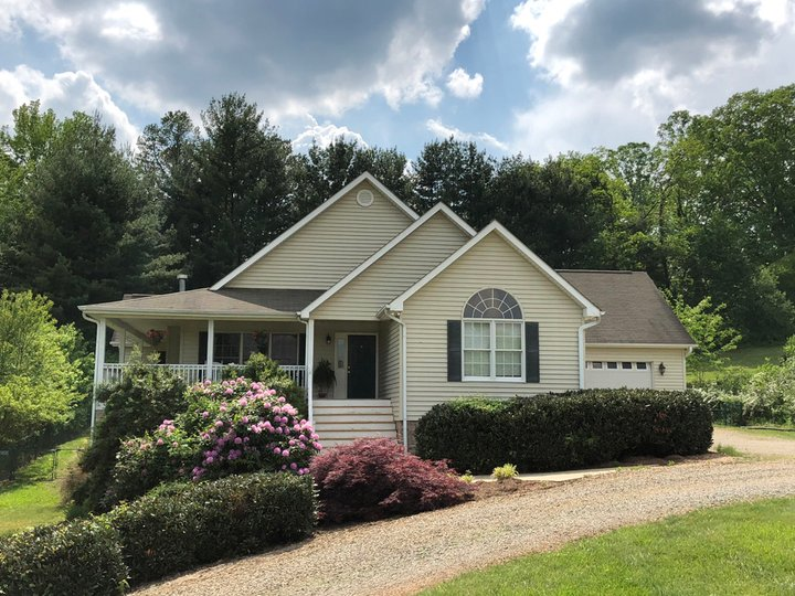 Image 1 for 586 Woodlawn Circle in Clyde, North Carolina 28721 - MLS# 3351306