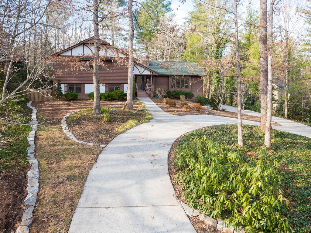 19 Tree Top Drive in Arden, North Carolina 28704 - MLS# 3352893