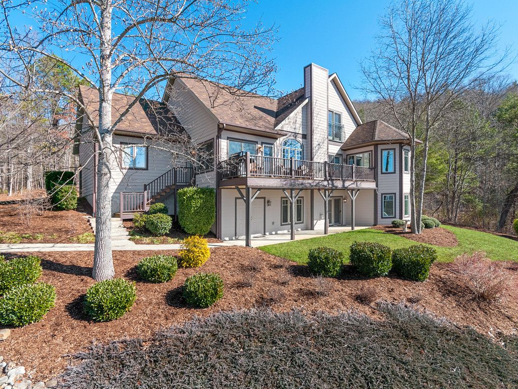 142 Twin Courts Drive in Weaverville, North Carolina 28787 - MLS# 3354740