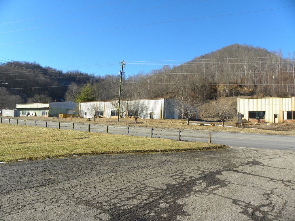 2402 Dellwood Road in Waynesville, North Carolina 28786 - MLS# 3355375