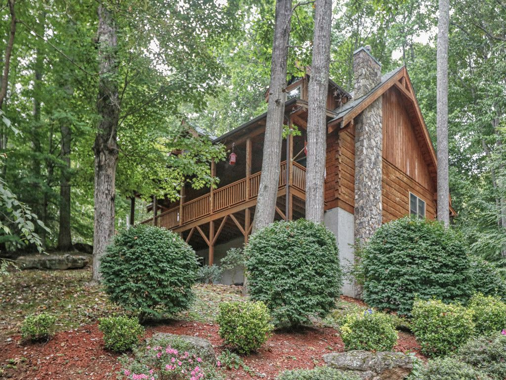 21 Bright Leaf Cove in Maggie Valley, North Carolina 28751 - MLS# 3358542