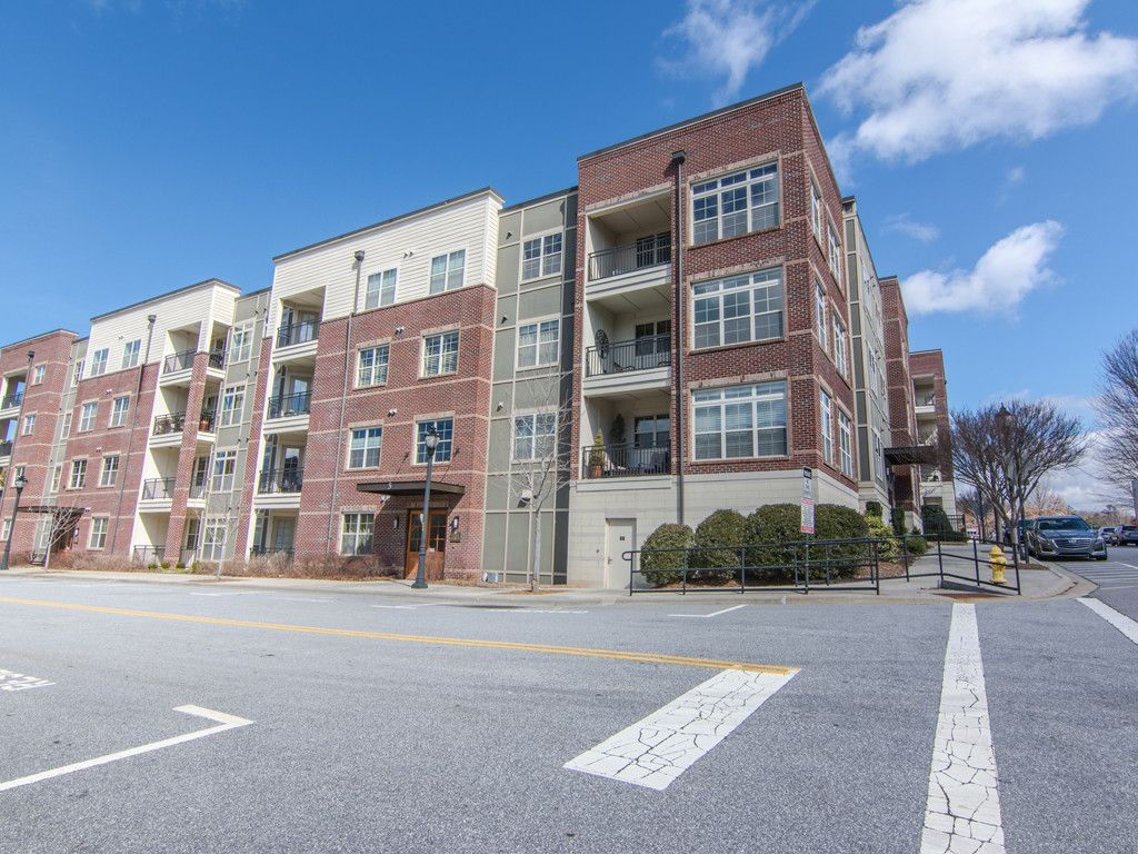 5 Farleigh Street #301 in Asheville, North Carolina 28803 - MLS# 3362819
