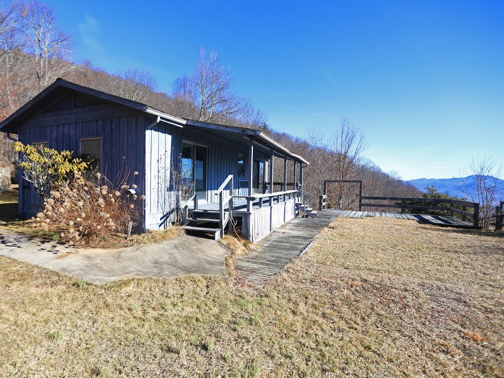 604 Ranch Boundary Drive in Waynesville, North Carolina 28785 - MLS# 3366485