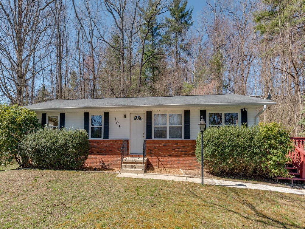 103 Robleigh Drive in Hendersonville, North Carolina 28739 - MLS# 3366495