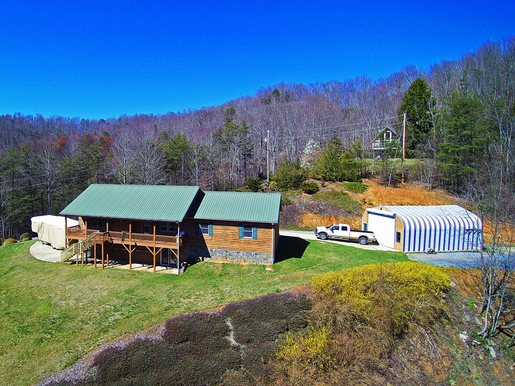 90 Robinette Drive in Waynesville, North Carolina 28786 - MLS# 3368166