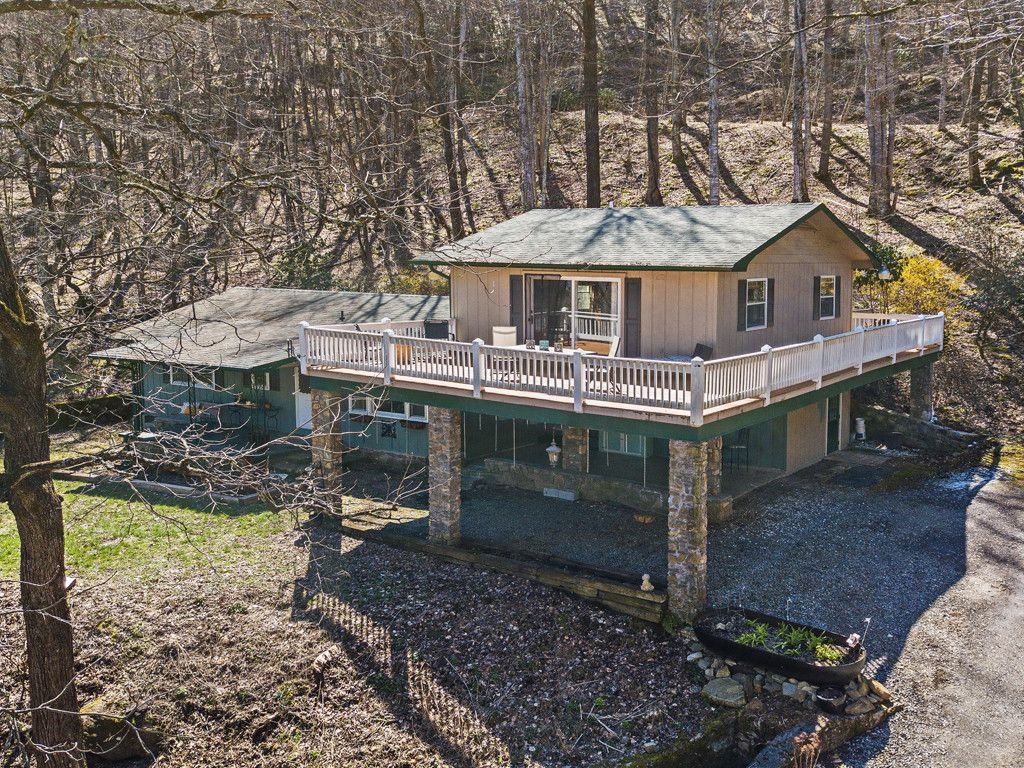 1465 Lentini Drive in Waynesville, North Carolina 28785 - MLS# 3371279