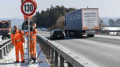 Предлогот отфрлен: Во Германија останува да се вози без ограничувања!