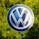Зaбрaнијa рeклaмa нa VW поради ceкcизам