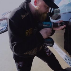 """""""Украл"""" BMW X6 за 1 минута, па објавил ВИДЕО"""