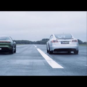 Porsche Taycan vs Tesla Model S – кој е побрз?