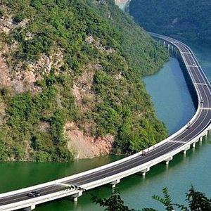 Кога Кинезите прават мост