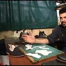 Не се живее од ракомет на Балканот – го продолжи семејниот занает и стана чевлар