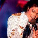 Фанови на Мајкл Џексон ги тужат неговите наводни жртви