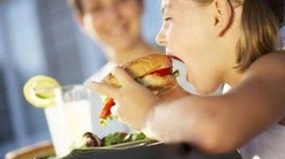 Бугарија забранува подготовка на пржена храна, колачи и слатки во детските градинки
