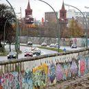 Пет главни факти за Берлинскиот ѕид