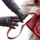 Скопјанец влегувал во фирми и крадел од чантите на вработените