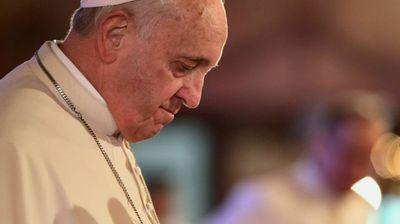 Папата ја прифати оставката на бискупот кој прикриваше злоставувања