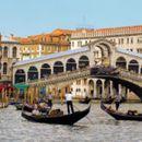 Венеција ќе воведе туристичка такса до десет евра