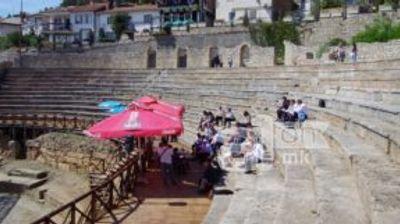 Рот и Димитров пред празен Антички театар во Охрид говореа за референдумот