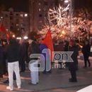 """Демонстрантите извикуваа """"Предавник"""" пред домот на Пешевски: Срамно е да ги повикувате пратениците да прават национално предавство"""