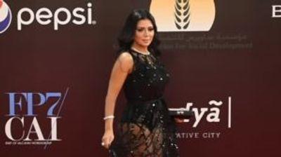 Египетска актерка може да заврши во затвор поради фустан