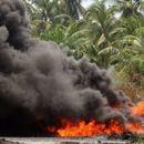 Експлозија на танкер за нафта во Нигерија, најмалку 12 загинати