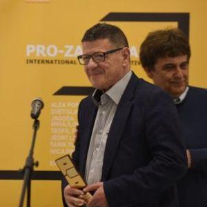"""Басара и Попов ги примија наградите """"Прозарт"""""""