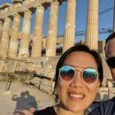 Закерберг со селфи на Акропол ја слави годишнината од брак