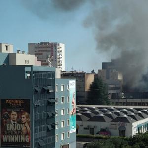 """Голем пожар во центарот на Сплит го уништи магацинот на """"Слободна Далмација"""""""