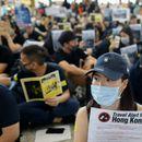 Демонстрантите повторно го блокираа аеродромот во Хонгконг