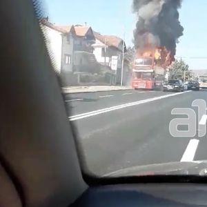 Се запали автобус на ЈСП во Ѓорче Петров