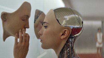 """Компанија нуди 130.000 долари за оној кој на робот """"би му го подарил"""" своето лице"""