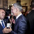 Заев му подари македонско вино на Столтенберг во Лондон