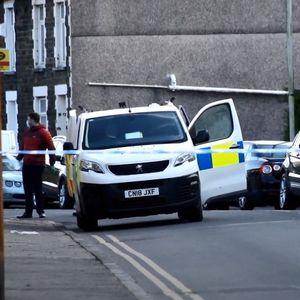 Повторно настрадаа недолжни минувачи – напаѓач бодеше луѓе во Велс, уби 16-годишна девојка