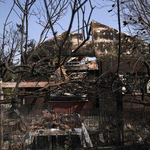 Страшни сцени од Атина, огнот голта се пред себе