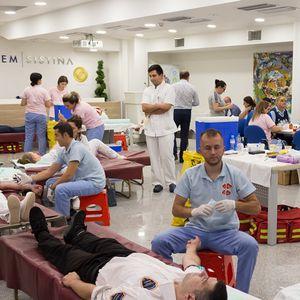 """Вработените во """"Аџибадем Систина"""" даруваа 181 единици крв"""