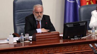 По напуштањето на собраниската сала од опозициските пратеници Џафери ја прекина 50. седница