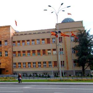 Власта ќе си изгласа онлајн Собрание, опозицијата ја напушти седницата