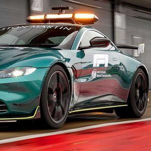 Aston Martin Vantage F1 Safety Car i Aston Martin DBX F1 Medical Car