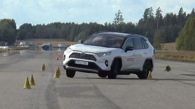 """Šveđani kažu da je RAV4 pao na """"testu severnog jelena"""", Toyota tvrdi suprotno"""